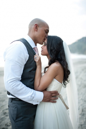 Pink &amp; Gray Beach Wedding | Comfort Studio-08