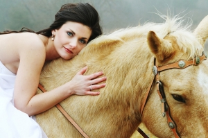 horse bridal shoot | Taisia Gordon Photography-11