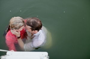 boat engagement | Bethany Carlson Photography-18