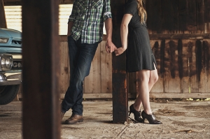 vintage rustic engagement | Cozbi Jean Photography-09