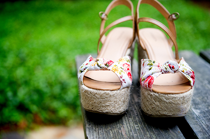 summer wedding shoes | Alisha Crossley Photography