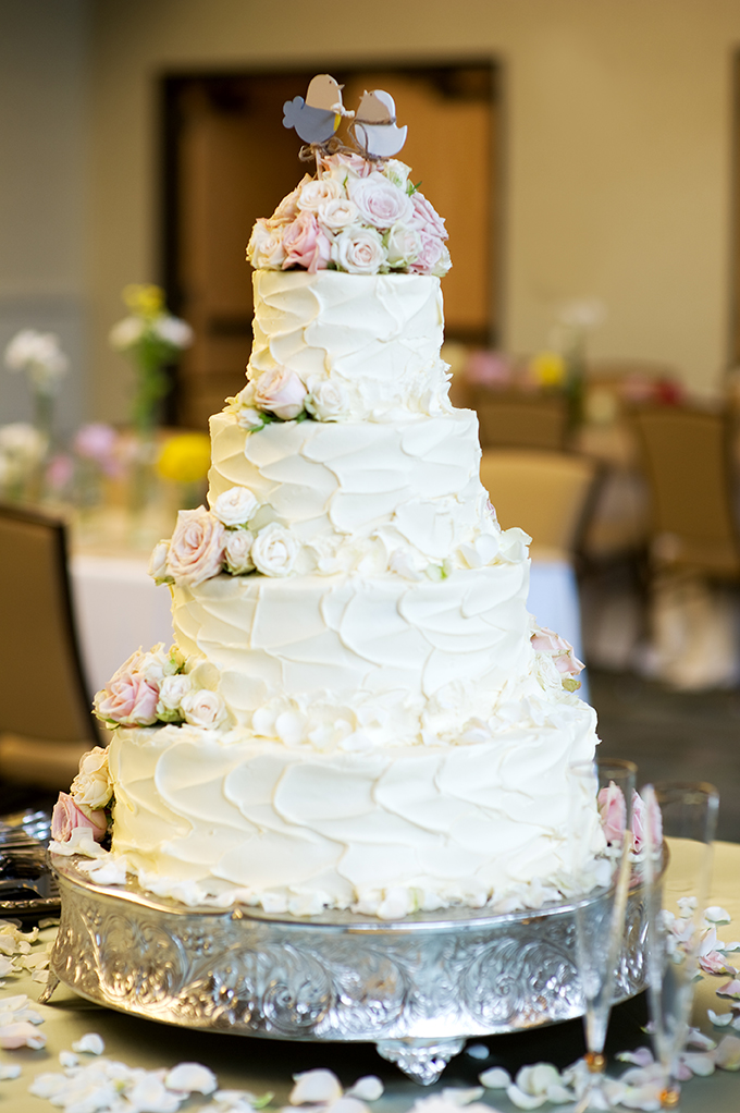 white and pink wedding cake | Alisha Crossley Photography