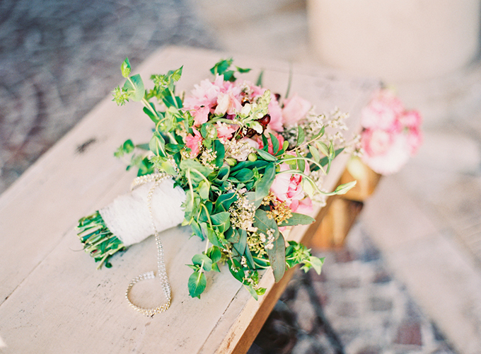 pink bouquet | Michelle March Photography | Glamour & Grace