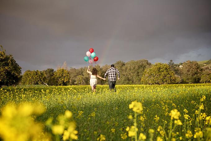rainbow engagement session | Jessica Elizabeth Photographers