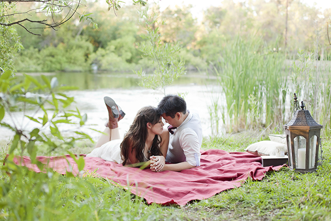 A Sweet Picnic Engagement Glamour Amp Grace