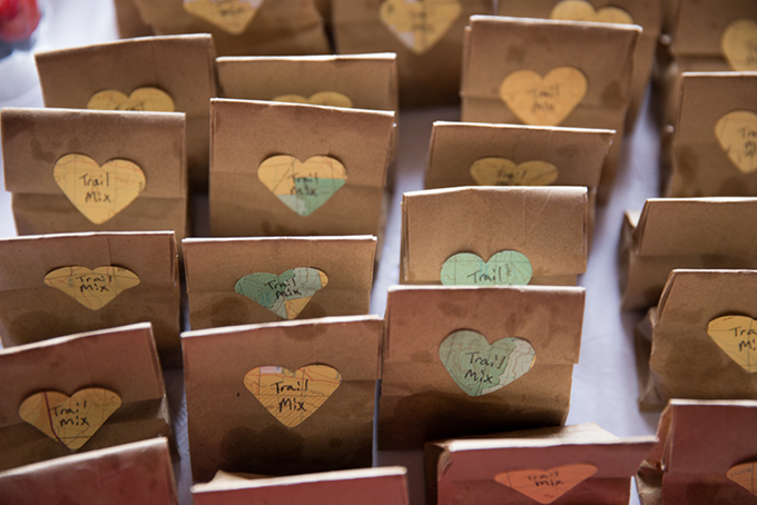 trail mix favors | Jasmine Nicole Photography