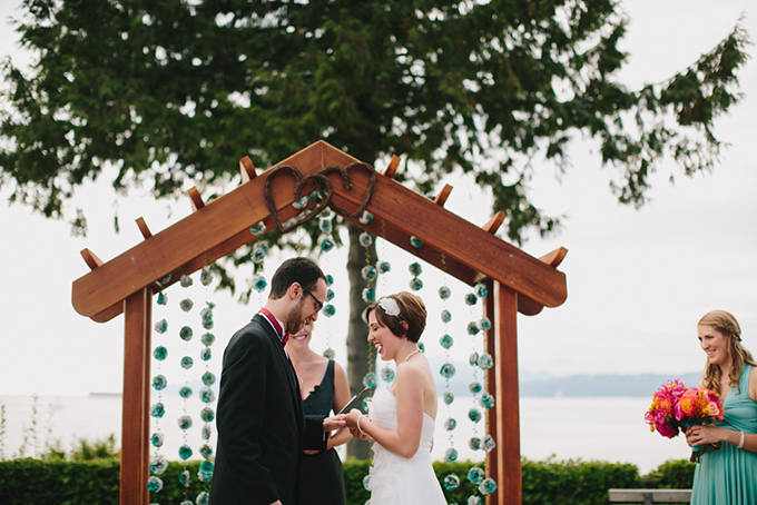 red and turquoise seaside wedding   Jamie Delaine Photography
