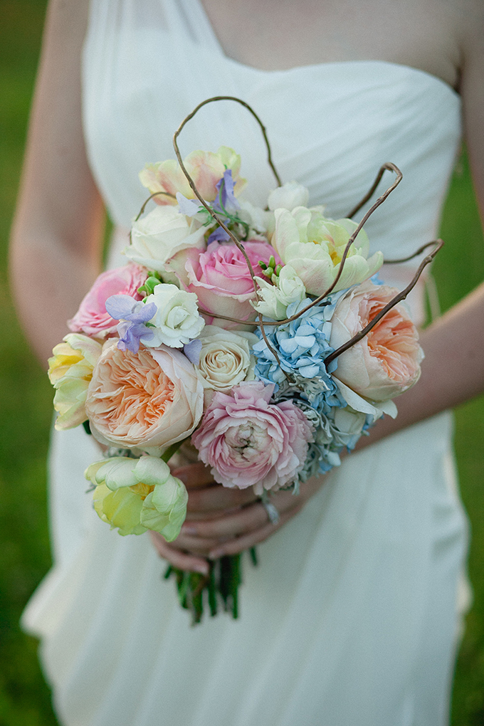 pastel wedding bouquet | Sarah Becker Photography