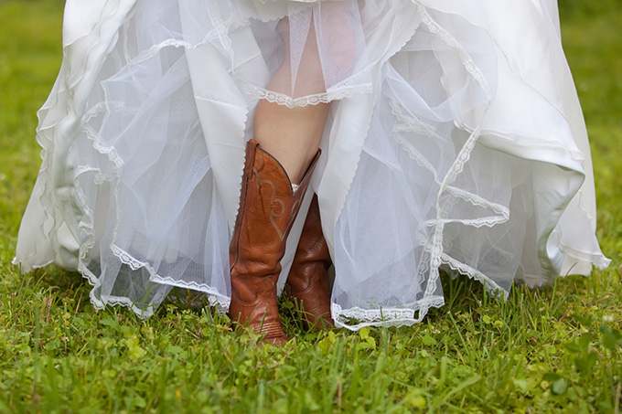 boots wearing bride | Chesley Summar Photography