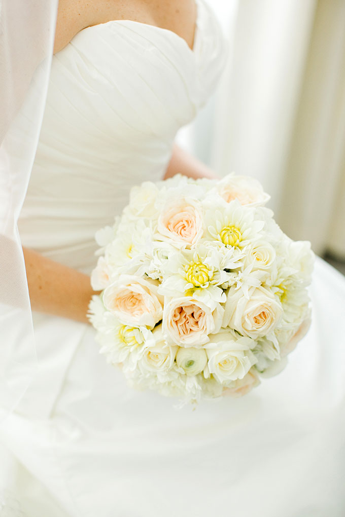 white bouquet | Elaine Palladino Photography