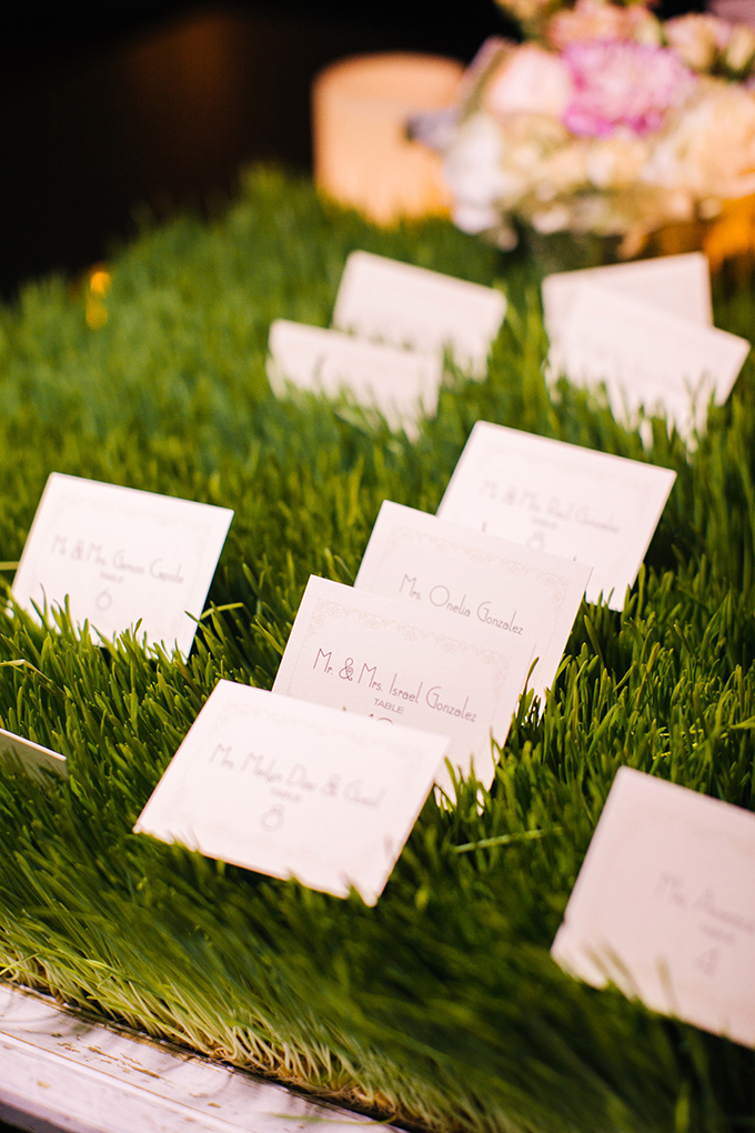 modern escort cards | Elaine Palladino Photography