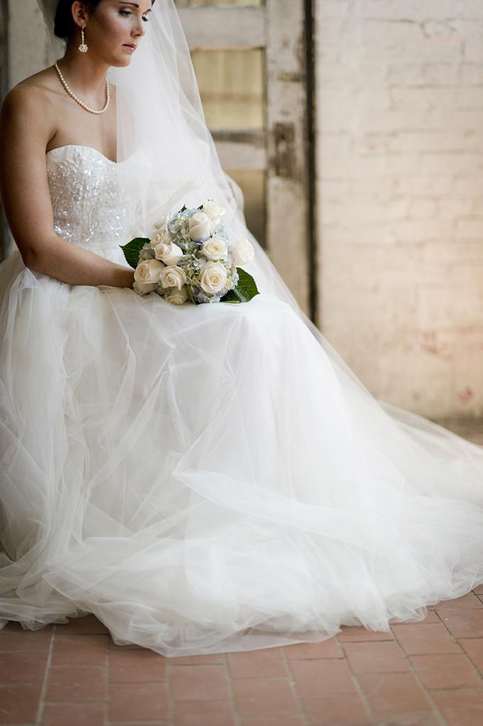 Photo Fridays Romantic Bridal Session Glamour Amp Grace