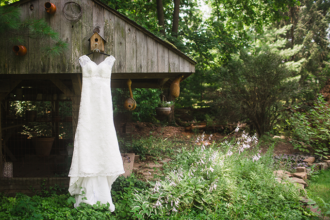 rustic blue backyard wedding | Brianna Wilbur Photography