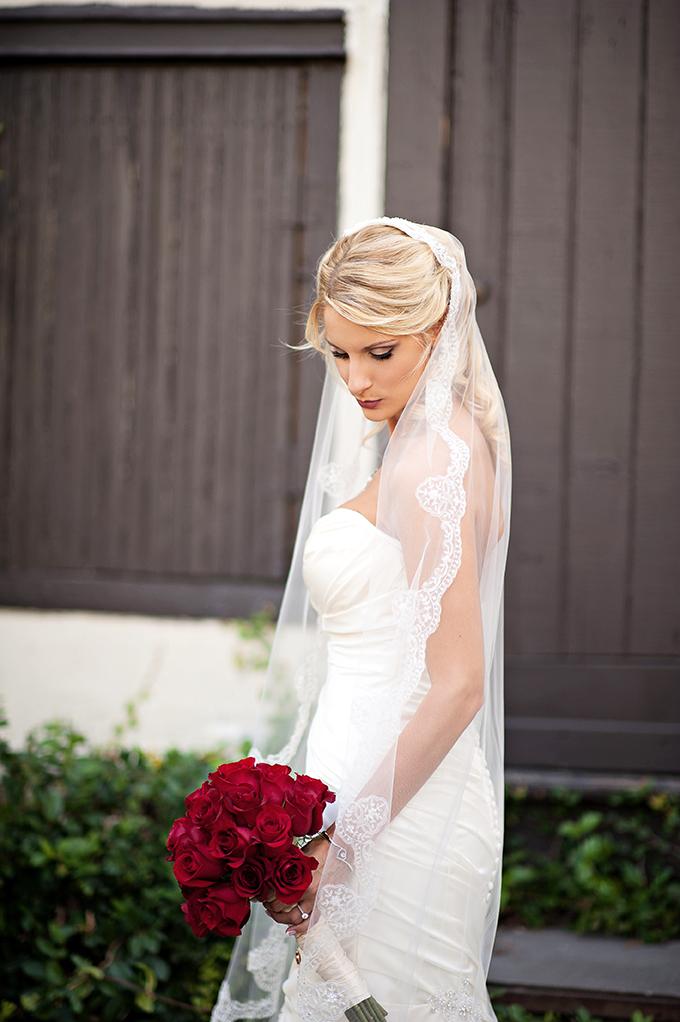 mantilla veil | Kristen Weaver Photography | Glamour & Grace
