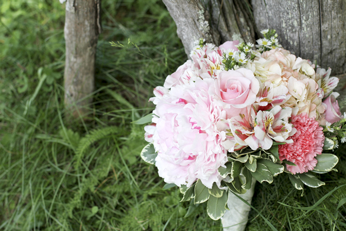 pink bouquet | Holly Cromer Photography | Glamour & Grace