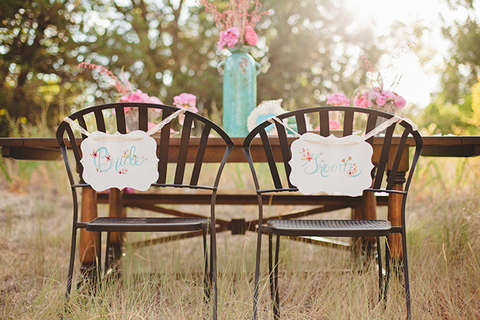 bride and groom signs | Denise Nicole Photography | Glamour & Grace