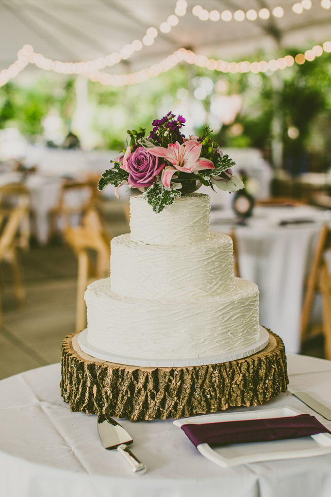 rustic cake | Carolyn Scott Photography | Glamour & Grace