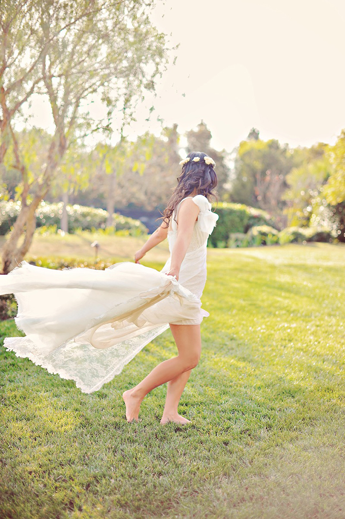 barefoot bride | Arina B Photography | Glamour & Grace