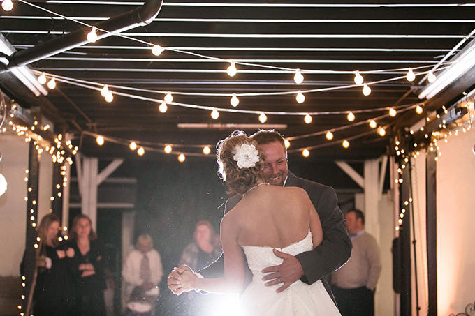 rustic burgundy barn wedding | K and K Photography | Glamour & Grace-23