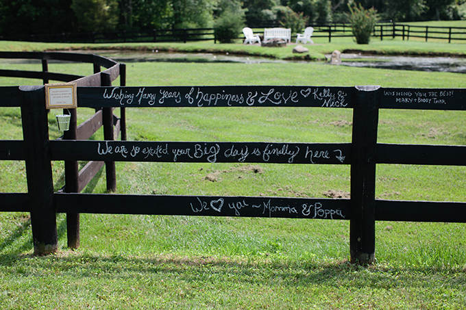 fence guest book | Courtney Reese Photography | Glamour & Grace