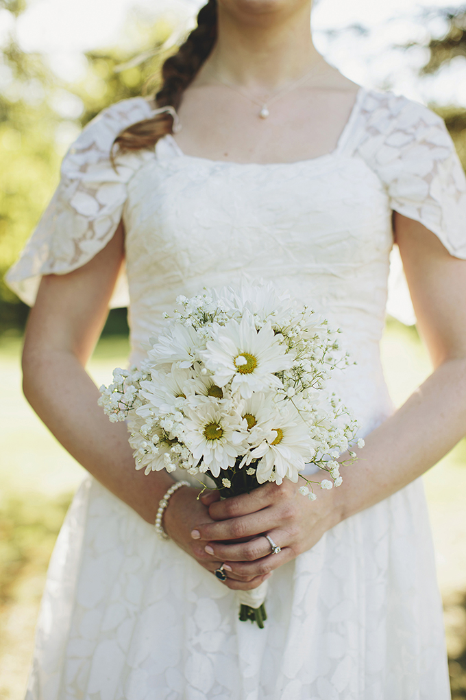 wildflower bouquet | Brooke Courtney Photography | Glamour & Grace