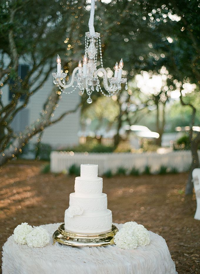 chic white cake by Confections on the Coast | pure7studios | Glamour & Grace