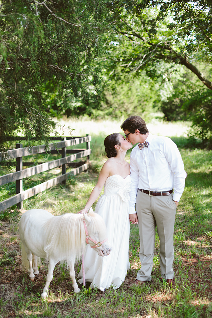 barn wedding inspiration | Amanda Watson Photography | Glamour & Grace