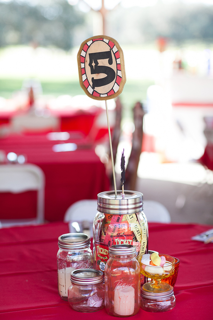 vintage circus centerpieces | Esther Louise Photography | Glamour & Grace