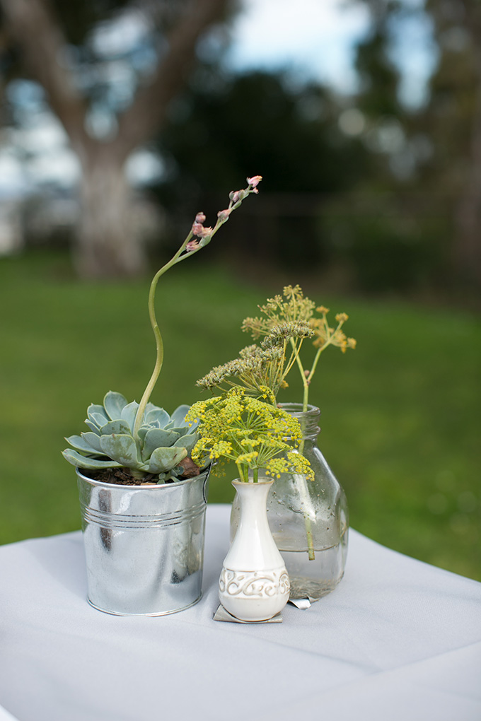 simple centerpieces | Diana McGregor Photography | Glamour & Grace