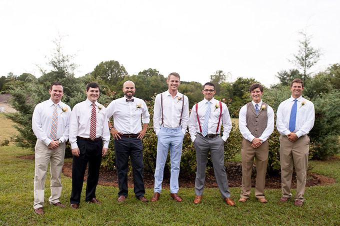relaxed groomsmen | Katherine Stinnett Photography | Glamour & Grace