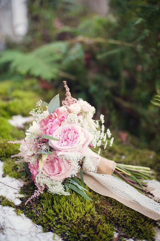 lush pink bouquet | Melissa Gidney Photography | Glamour & Grace