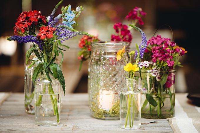 casual jar centerpieces   Riverland Studios   Glamour & Grace