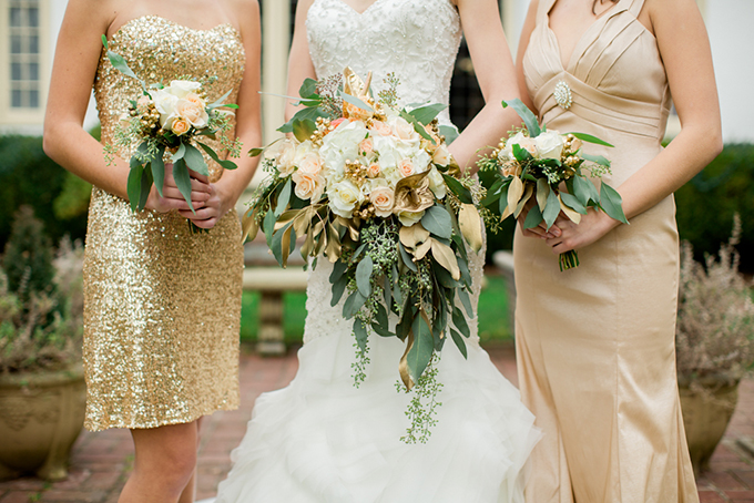 gold bouquets | Toni Lynn Photography | Glamour & Grace