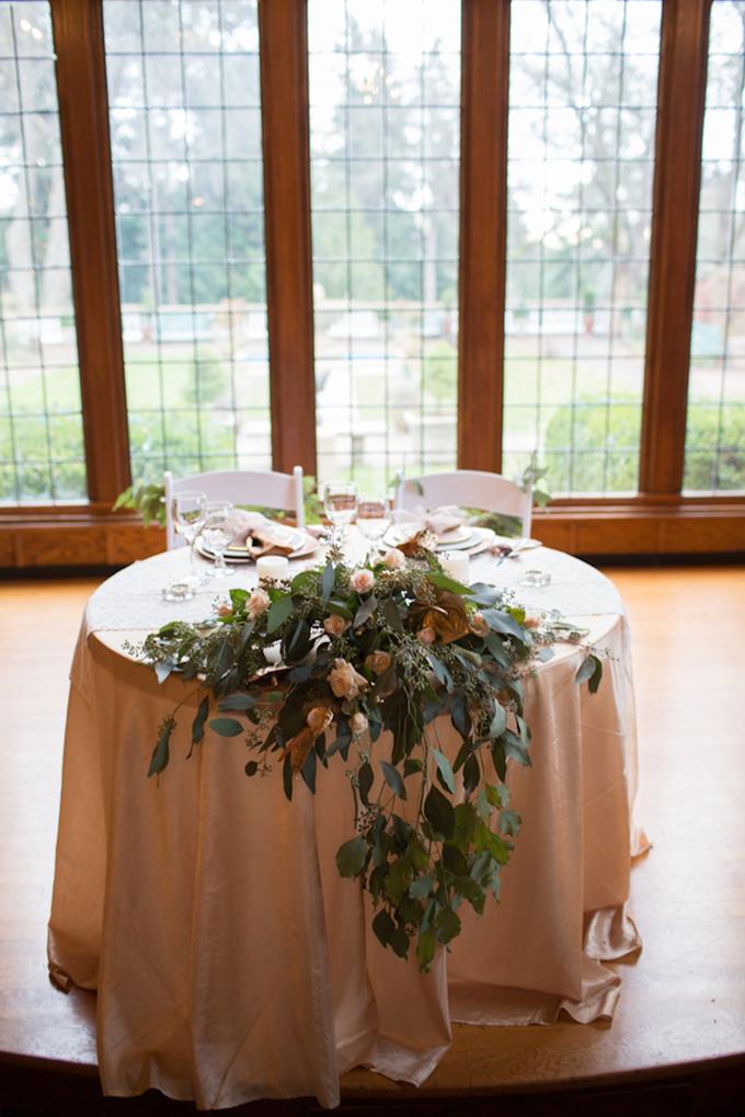 sweetheart table | Toni Lynn Photography | Glamour & Grace