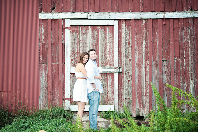 red barn engagement session   Elizabeth Ann Photography   Glamour & Grace