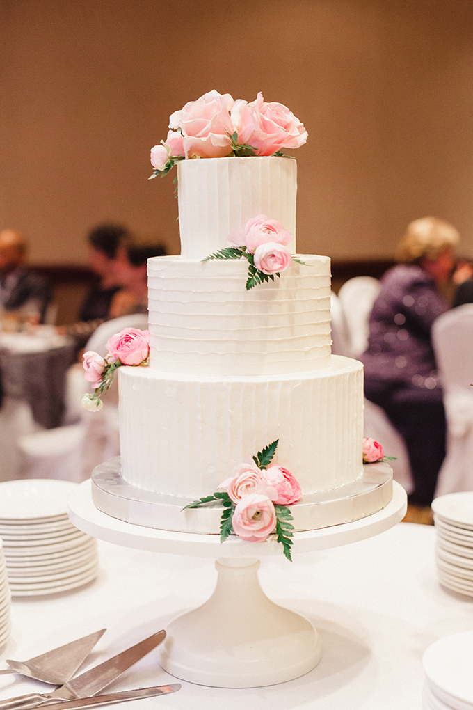 pink and white cake | JoPhoto | Glamour & Grace