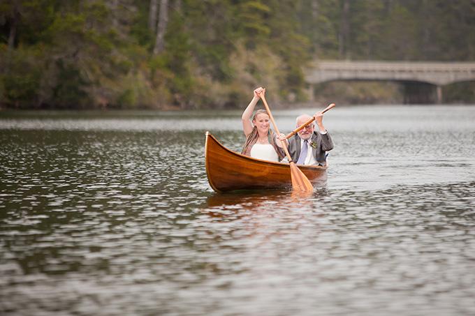 canoe ceremony entrance| Jamie Zanotti Photography | Glamour & Grace
