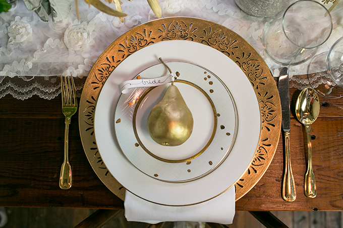 gold pear place setting | Erin Johnson Photography | Glamour & Grace