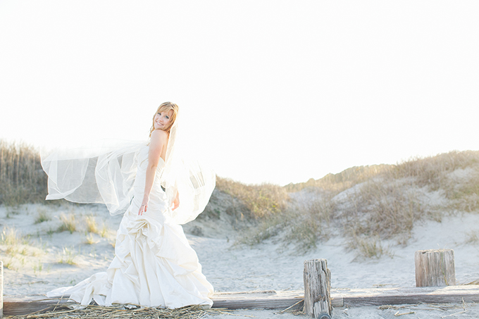 beach trash the dress | Taylor Rae Photography | Glamour & Grace