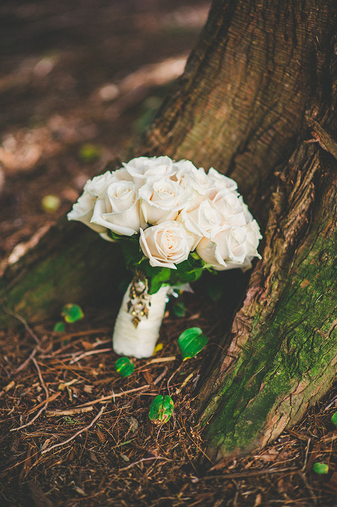 classic white rose bouquet | VO Photographers | Glamour & Grace