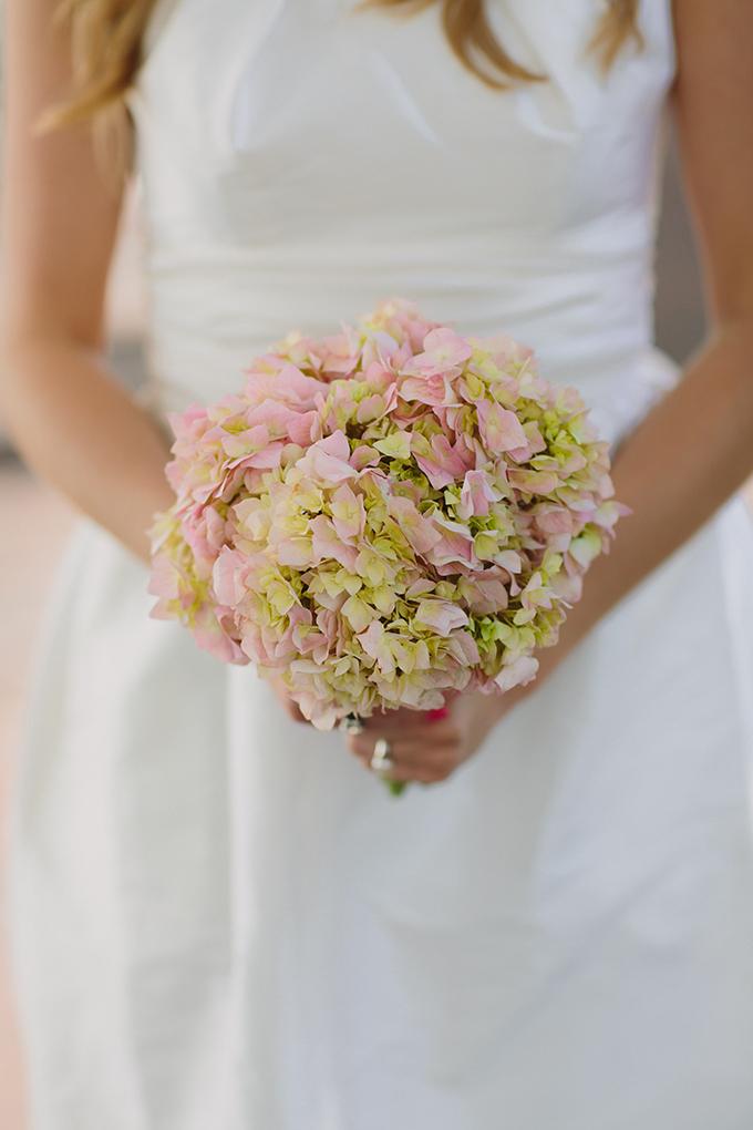 hydrangea bouquet | Pure 7 Studios | Glamour & Grace