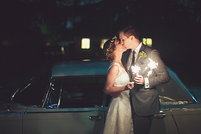 sparkler kiss | Lovers of Love | Glamour & Grace