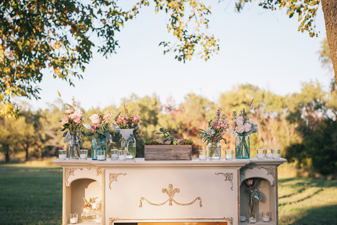 vintage fireplace altar | THE LEEKERS | Glamour & Grace