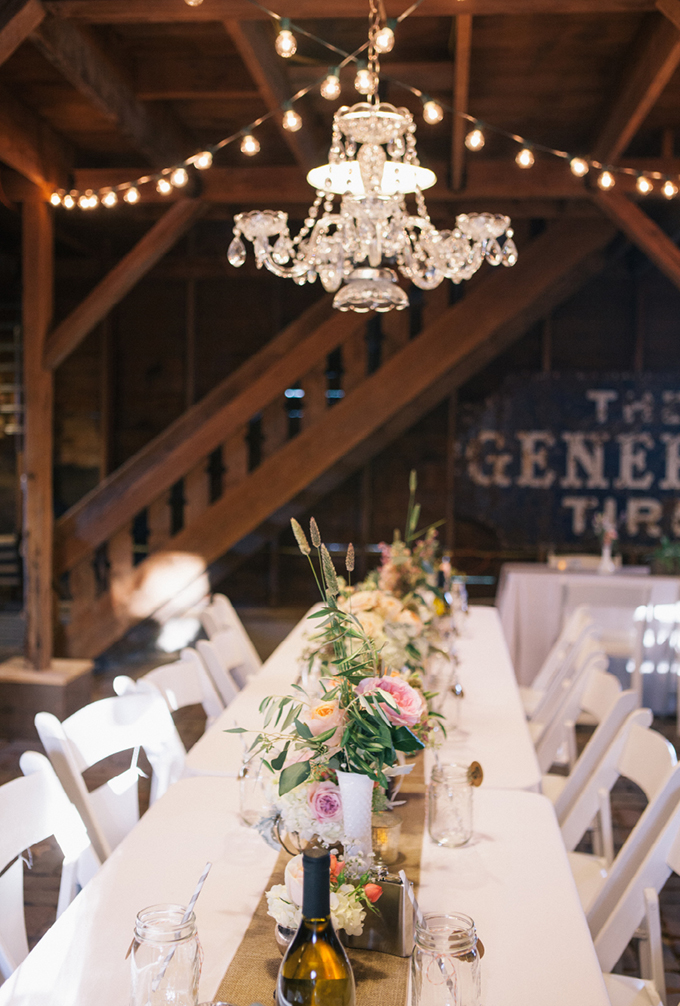rustic vintage centerpieces | THE LEEKERS | Glamour & Grace
