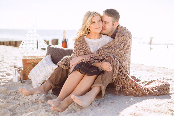 romantic beach engagement | Hunter Ryan Photo | Glamour & Grace