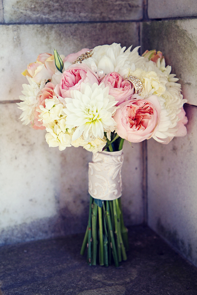 romantic pink bouquet | Marie Violet Photography | Glamour & Grace