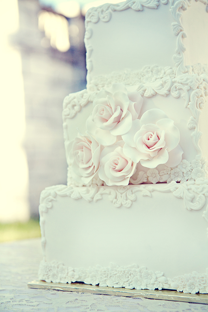 glam white cake | Marie Violet Photography | Glamour & Grace