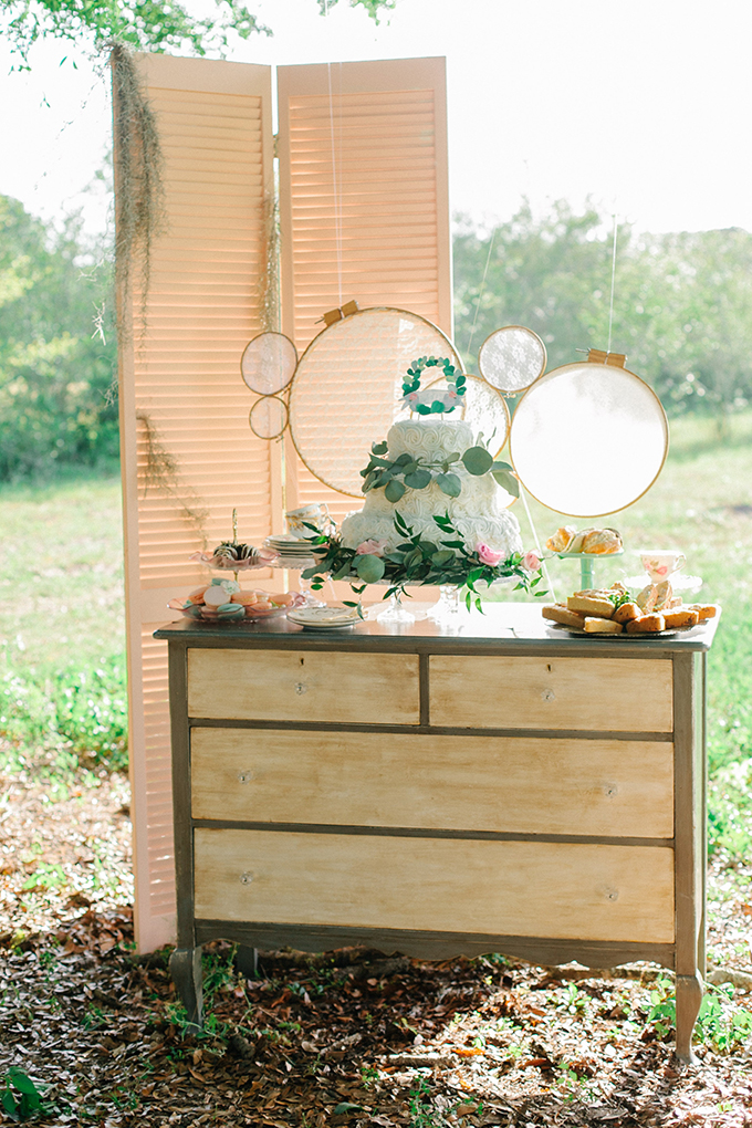 dessert table | Catherine Ann Photography | Glamour & Grace
