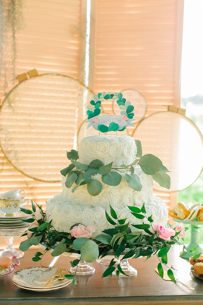 romantic mint cake | Catherine Ann Photography | Glamour & Grace