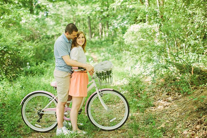 cute bike engagement | Photos by Sarah Beth | Glamour & Grace